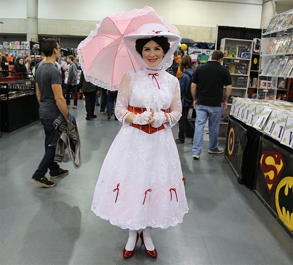 mary-poppins-cosplayer