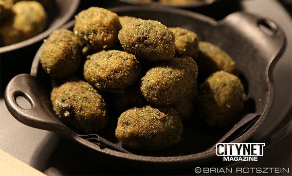 m-mme-bar-a-vin-olives-sausages